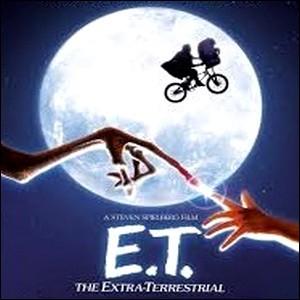 [E.T. l'extra-terrestre] Quel enfant devient son fidèle ami ?