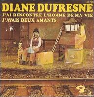 Diane Dufresne maintenant ! Aujourd'hui, au grand soleil, en plein midi. On attendait le même feu vert. Lui à pied et moi dans ma...