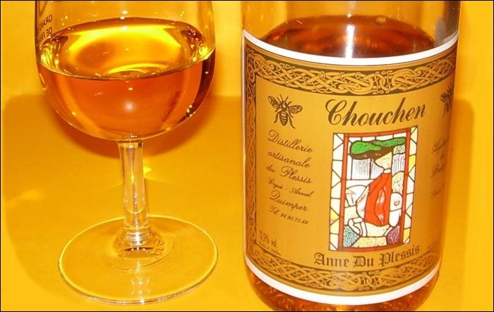 Toujours avec modération, voici le chouchen. Cette boisson alcoolisée est très proche de l'hydromel. Quel aliment est en commun ?