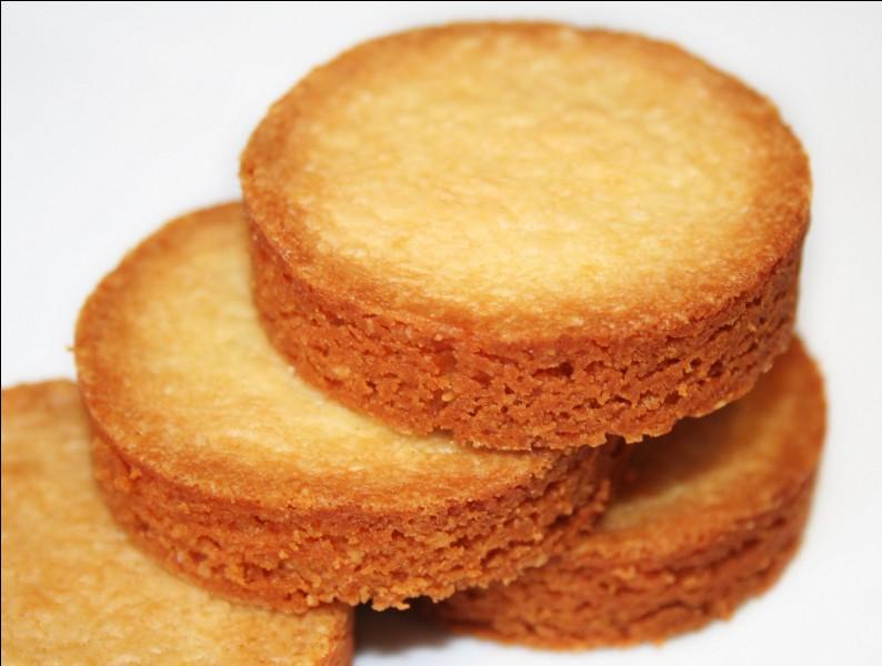 Ces petits biscuits portent le nom d'un jeu très pratiqué lors des réunions de famille. Ils se composent de beurre, forcément, nous sommes en Bretagne ! Comment s'appellent ces petites choses ?