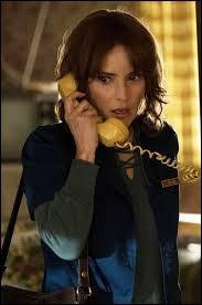 Combien de téléphones a cassés Joyce ?
