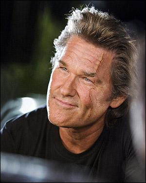 Dans Boulevard de la Mort, quel personnage joue l'acteur Kurt Russell ?