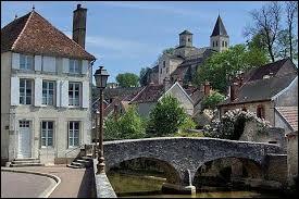 Comment nomme-t-on les résidents de Bar-sur-Seine (Aube) ?