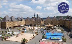 Arthur Rimbaud était de Charleville-Mézières (Ardennes). C'était un ...