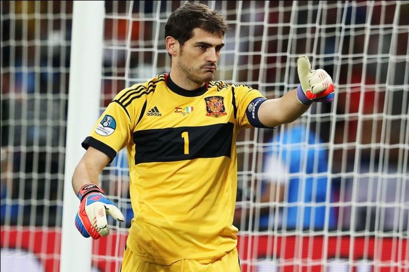 Dans quelle club Iker Casillas n'a-t-il pas joué ?