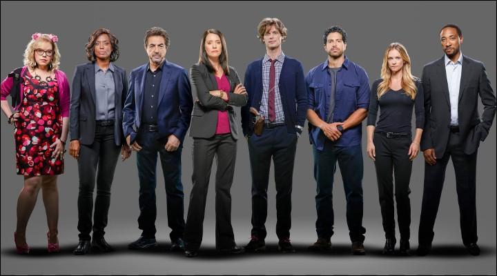 Qui meurt lors du premier épisode de la saison 13 ?