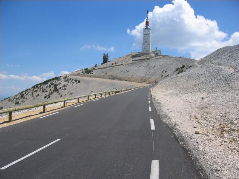 Comment s'appelle le plus haut sommet du Vaucluse ?