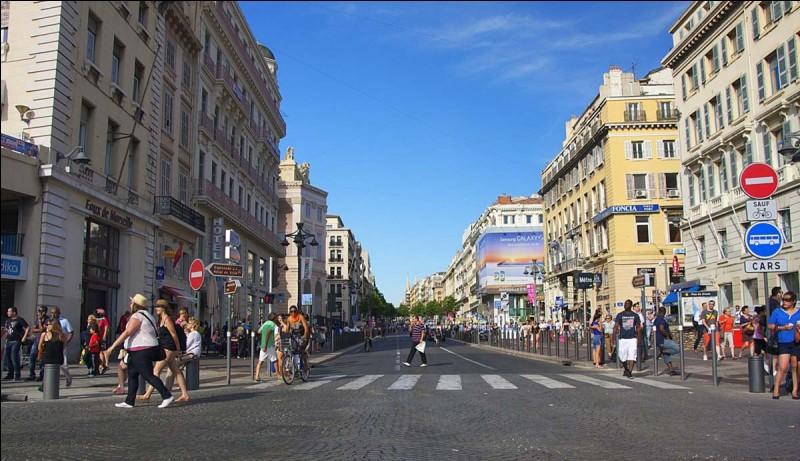 Comment s'appelle l'artère du centre de Marseille mesurant 1 000 mètres ?