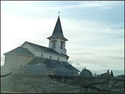 Commune de Nouvelle-Aquitaine, dans l'aire urbaine de Pau, Navailles-Angos se situe dans le département ...