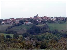 Le village de Reilhaguet, dans l'ancienne région Midi-Pyrénées, se situe dans le département ...