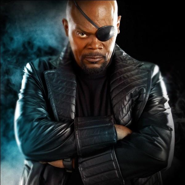 Comment s'appelle le propriétaire du S.H.I.E.L.D ?