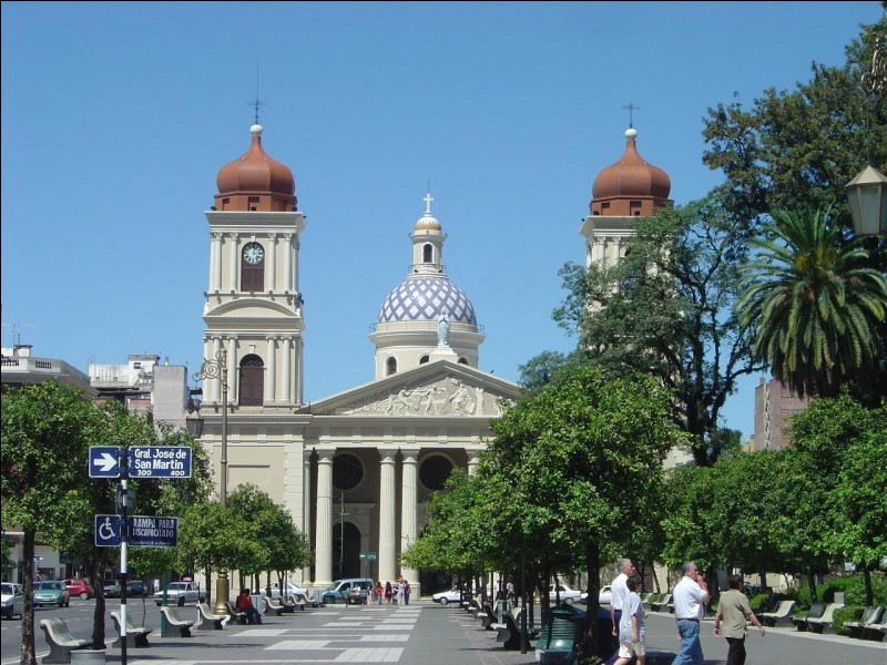 San Miguel de Tucumán se situe au/en :