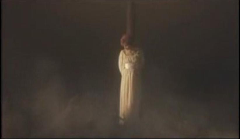 Dans quel clip pouvons-nous voir Mylène attachée à un bucher ?