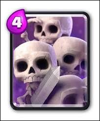 Généralement, par quelle lettre les prénoms des squelettes commencent-ils dans l'Armée de squelettes ?