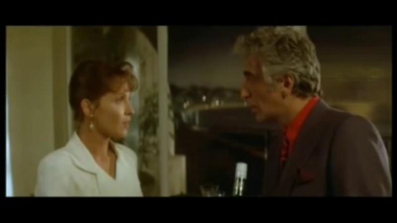 Réplique culte de ce film : Vous voulez un whisky ? - Juste un doigt ! - Vous voulez pas un whisky d'abord ?