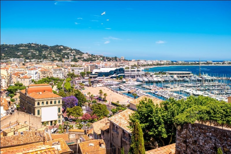 Cannes ou Menton ?
