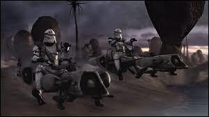 Quelle Maître Jedi fut tuée lors de l'Ordre 66 par le commandant clone Neyo et ses troupes alors qu'elle se trouvait sur sa motojet sur la planète Saleucami ?