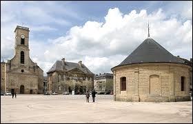 Ville des émaux, les habitants de Longwy (Meurthe-et-Moselle) portent le nom ...