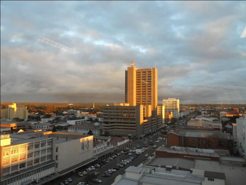 Bulawayo est située au cœur du Matabeleland. Trouvez son pays.