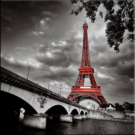 Quel pont de Paris est le titre d'une chanson de Serge Reggiani ?