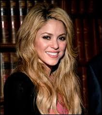 Shakira a fait une reprise de ''Je l'aime à mourir'' . Qui avait créé cette chanson ?