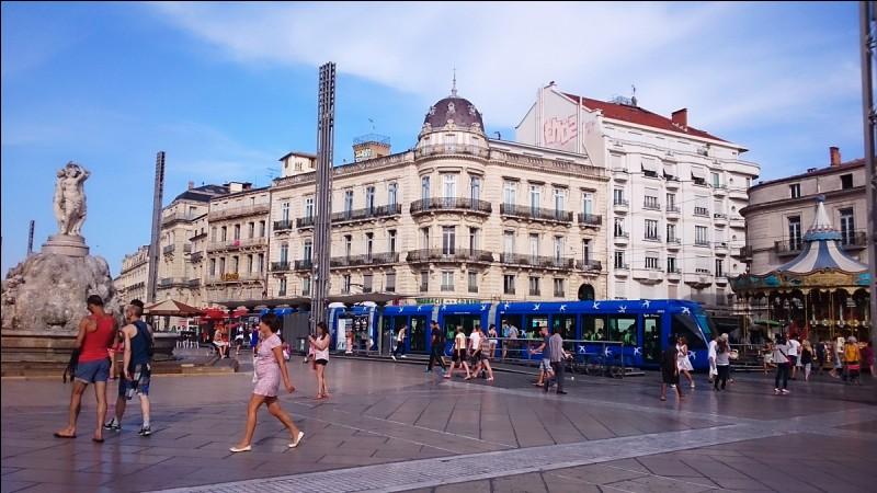Quelle est la place symbolique de la ville de Montpellier dans l'Hérault ?