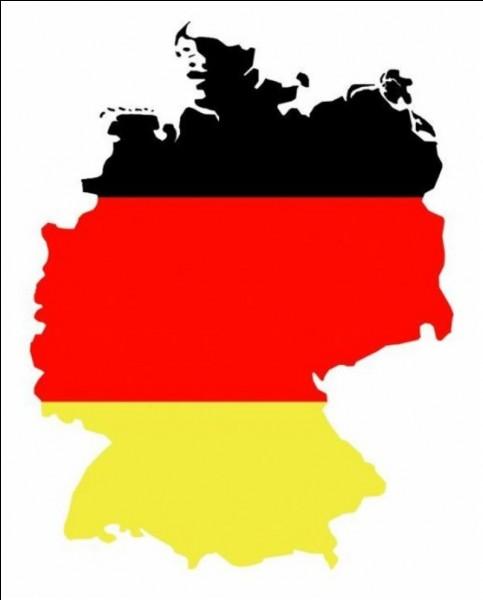 """Traduisez : """"Notre mère est allemande."""""""