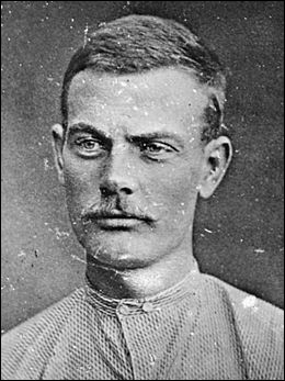"""Il est entré dans la criminalité juste après la guerre de Sécession et faisait partie du gang """"James-Younger""""..."""