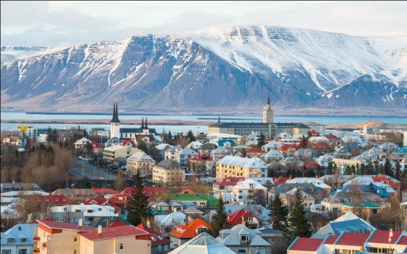 Trouvez le pays ayant pour capitale Reykjavik.