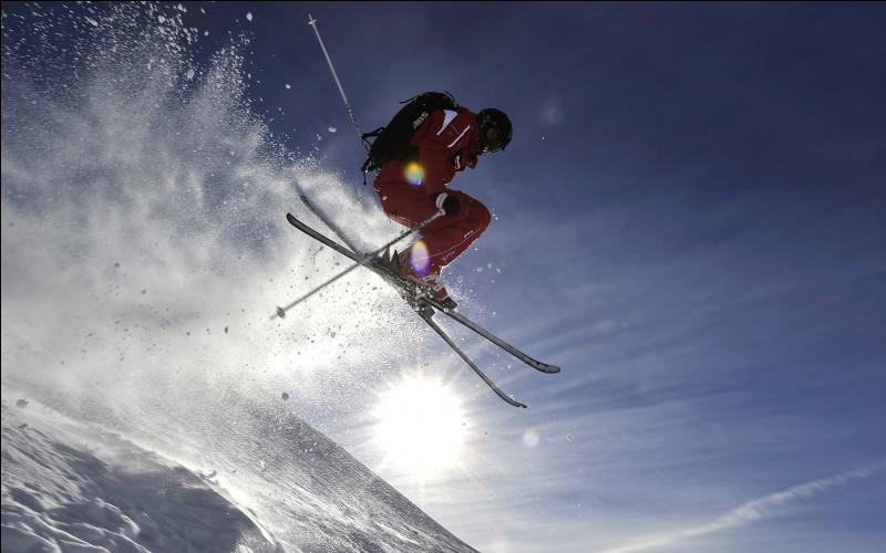 Il est dangereux de faire du ski ____ piste.