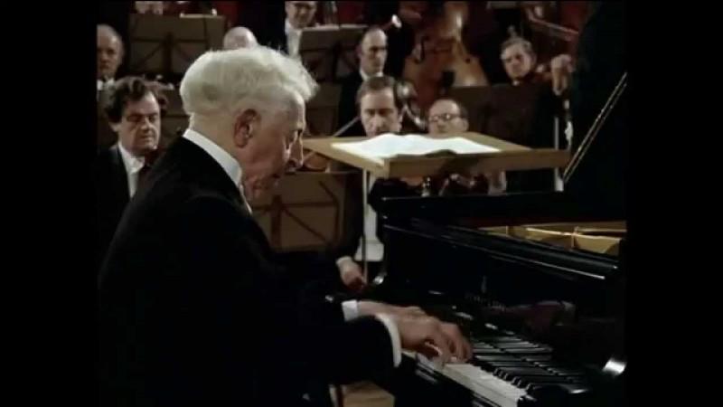 Il figure parmi les plus grands pianistes du XXe siècle .