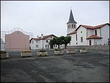 Je vous emmène maintenant en Nouvelle-Aquitaine, à Beyrie-sur-Joyeuse. Commune du pays de Mixe, dans la province basque de Base-Navarre, elle se situe dans le département ...