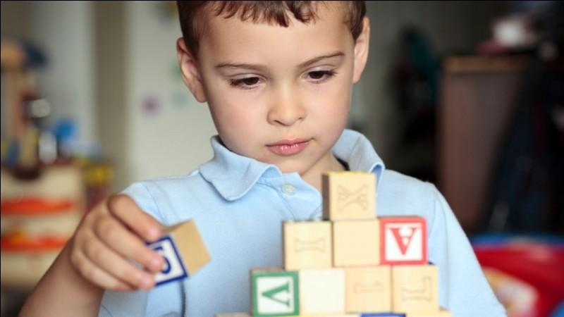 L'__tisme est un trouble du développement humain caractérisé par des difficultés de l'apprentissage social et de la communication.