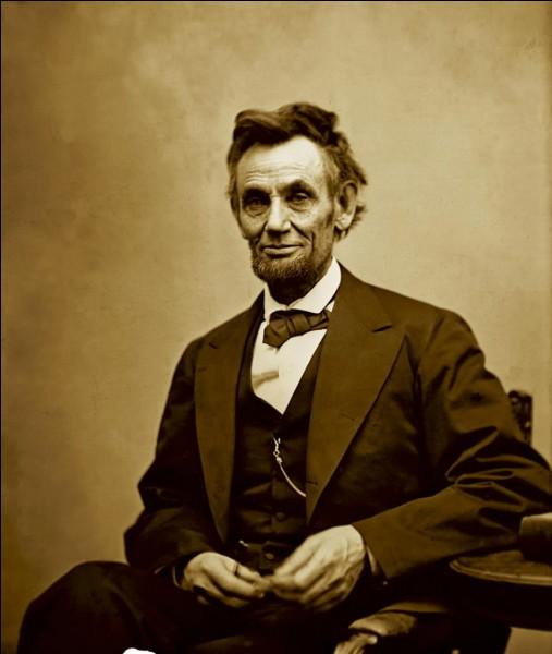 """Lequel de ces hommes a réalisé un film nommé """"Lincoln""""."""