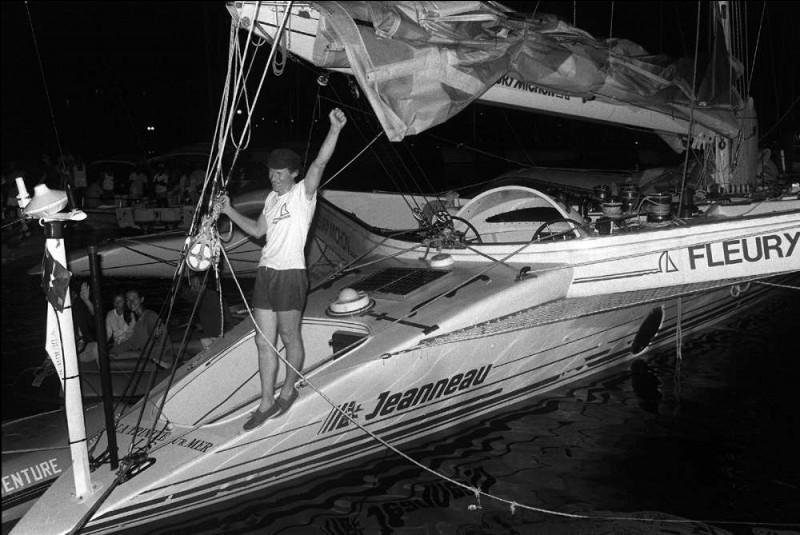 Lors de la première édition du Vendée Globe, Philippe Poupon est sauvé par son concurrent et ami...