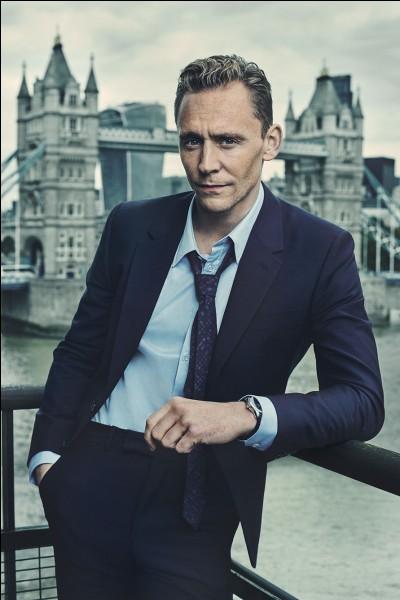 Dans les films, quel acteur joue Loki ?