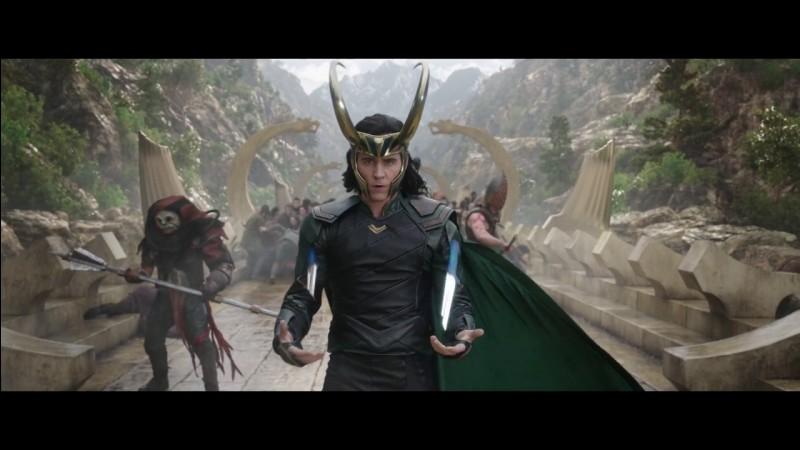 "Dans ""Thor Ragnarok"" est-ce que Loki aide Thor ?"