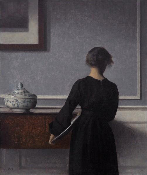 Quel peintre danois (1864-1916) est l'auteur de scènes d'intérieur caractérisées par une monochromie grise et une atmosphère de silence et de rêverie ?