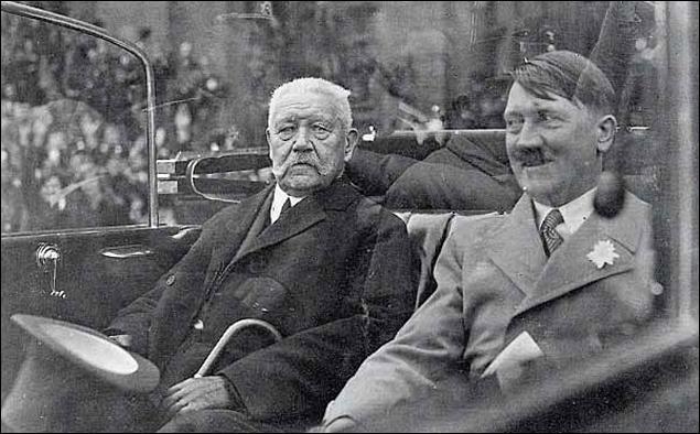 Président de la république de Weimar, je transmis en 1933 les clefs du pouvoir à un caporal d'origine autrichienne, ce qui s'avéra être l'une des plus belles bourdes de tout les temps. Qui suis-je ?