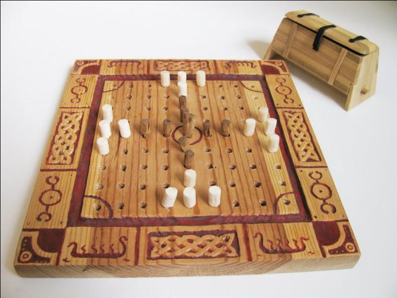 Quelle est l'origine du jeu médiéval du tafl ?