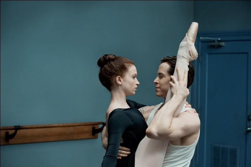 Sascha Radetsky, ici avec Sarah Hay est danseur, ex-soliste de l'American Ballet theater et du Dutch National Ballet d'Amsterdam, et a partagé en 2016 la vedette avec la première danseuse Irina Vladimirovna Dvorovenko d'une série consacré au corps de ballet. Quel est le titre de cette série ?