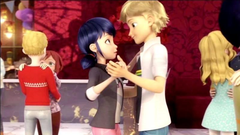 Comment Marinette réussit-elle à danser avec Adrien ?