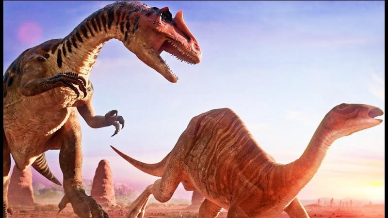 Quel theropode vivait en même temps que le Mamenchisaure il y a 154 millions d'années ?