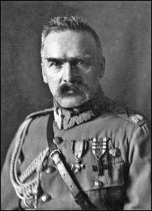 Comment s'appelait le maréchal polonais considéré comme l'un des plus grands stratèges de l'histoire ?