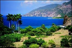 Combien de provinces compte l'île de Cuba ?