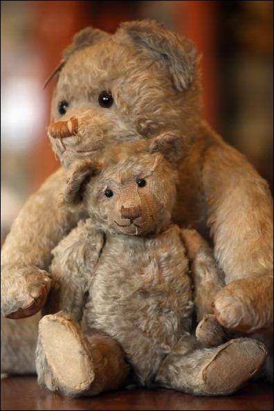 En quoi étaient rembourrés les premiers Teddy Bears, créés par Margarete Steiff en 1902 ?