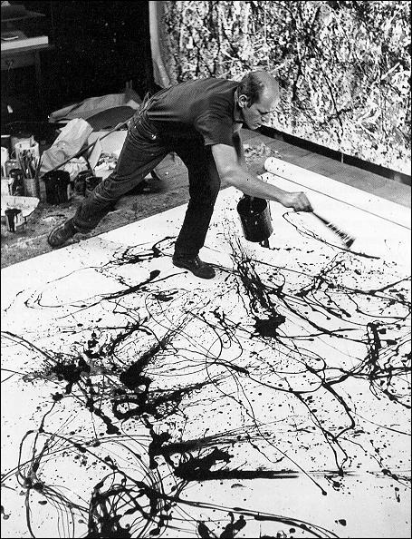 Quel était le surnom, en référence à sa façon de peindre, du célèbre artiste Jackson Pollock ?