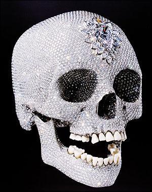 Mon oeuvre a été vendu à 100 000 000 de dollars, c'est normal c'est un crâne avec 8601 diamants incrustés qui s'intitule 'For the Love of God', je suis ...