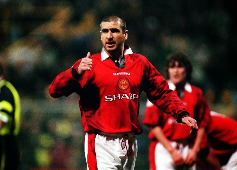 Les fans de l'équipe de football de Manchester United reprenaient l'air de la Marseillaise en l'honneur d'Éric Cantona lorsqu'il jouait dans leur club, remplaçant « Aux armes citoyens ! » par :