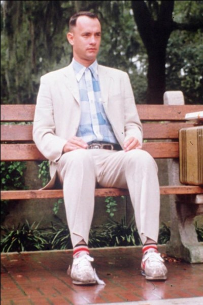 """Je suis un acteur célèbre pour avoir incarné Forest Gump, Josh dans le film """"Big"""", été """"Seul au monde"""" et prêté ma voix au personnage de Woody dans """"Toy Story"""". Qui suis-je ?"""